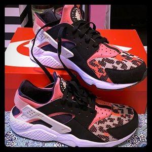 Nike Air Huarache Run PA Size 8.5